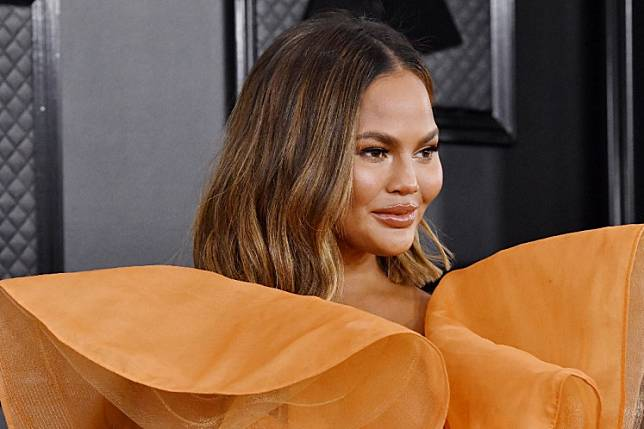 Chrissy Teigen attends the 62nd Annual GRAMMY Awards at STAPLES Center on January 26, 2020 in Los Angeles, California.