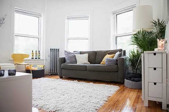 03-living-room-look-bigger