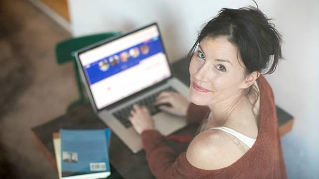 Bedanya Cewek Vs Cowok Waktu Belanja Online