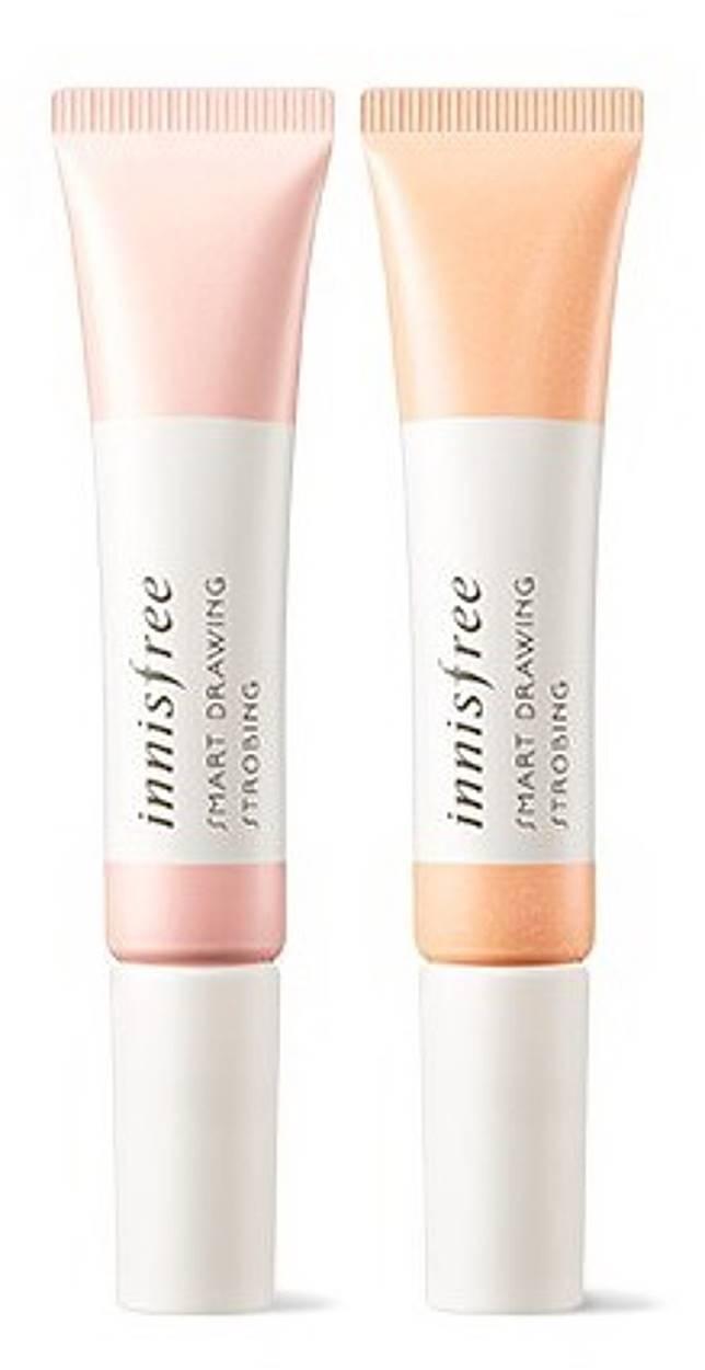 innisfree Smart Drawing Strobing亮肌妝前乳:在粉底液前塗於需要亮肌的部位,可同時帶來乾爽的霧面妝感,筆型設計易控制用量與提亮範圍。(互聯網)