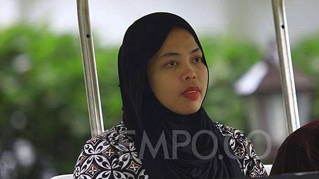 Siti Aisyah tiba untuk bertemu Presiden Jokowi di Istana Merdeka, Jakarta, Selasa, 12 Maret 2019.  Siti diundang Presiden Jokowi ke Istana setelah dibebaskan dari tuduhan pembunuhan Kim Jong Nam oleh Pengadilan Malaysia kemarin.TEMPO/Subekti.