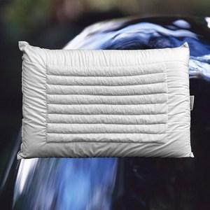 耐用不塌陷,容易入眠精神佳 特殊雙面設計,一年四季皆適用 適合喜歡硬枕/高枕者使用 淹水石的磁場具有安神、醒腦功能