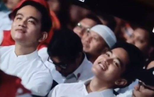 Ekspresi Kocak Kaesang Pangarep Tertangkap Kamera, Gibran Sebut Adiknya Bak Orang Kampung!