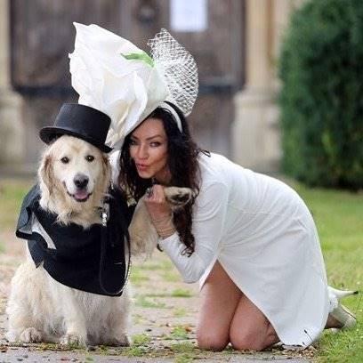 220 Kali Gagal Kencani Pria Model Sexy Nikahi Anjing Peliharaannya