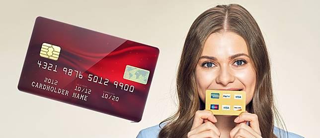 4 Rahasia Dibalik Kartu ATM dan Kartu Kredit yang Harus Kamu Ketahui
