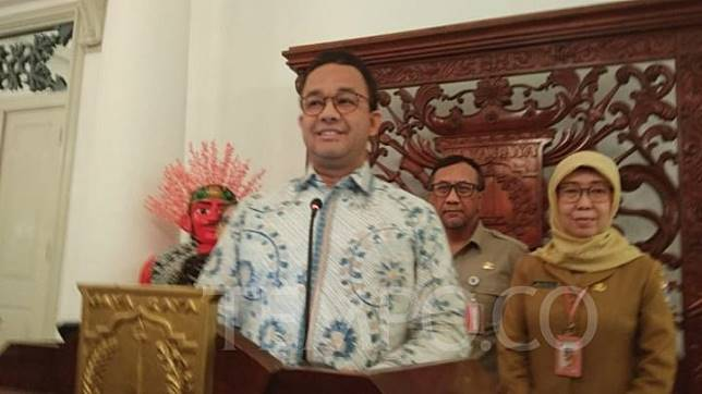 Jakarta Governor Anies Baswedan announces the establishment of the capital's COVID-19 Response Team at the City Hall on Monday, March 2, 2020. TEMPO/Imam Hamdi