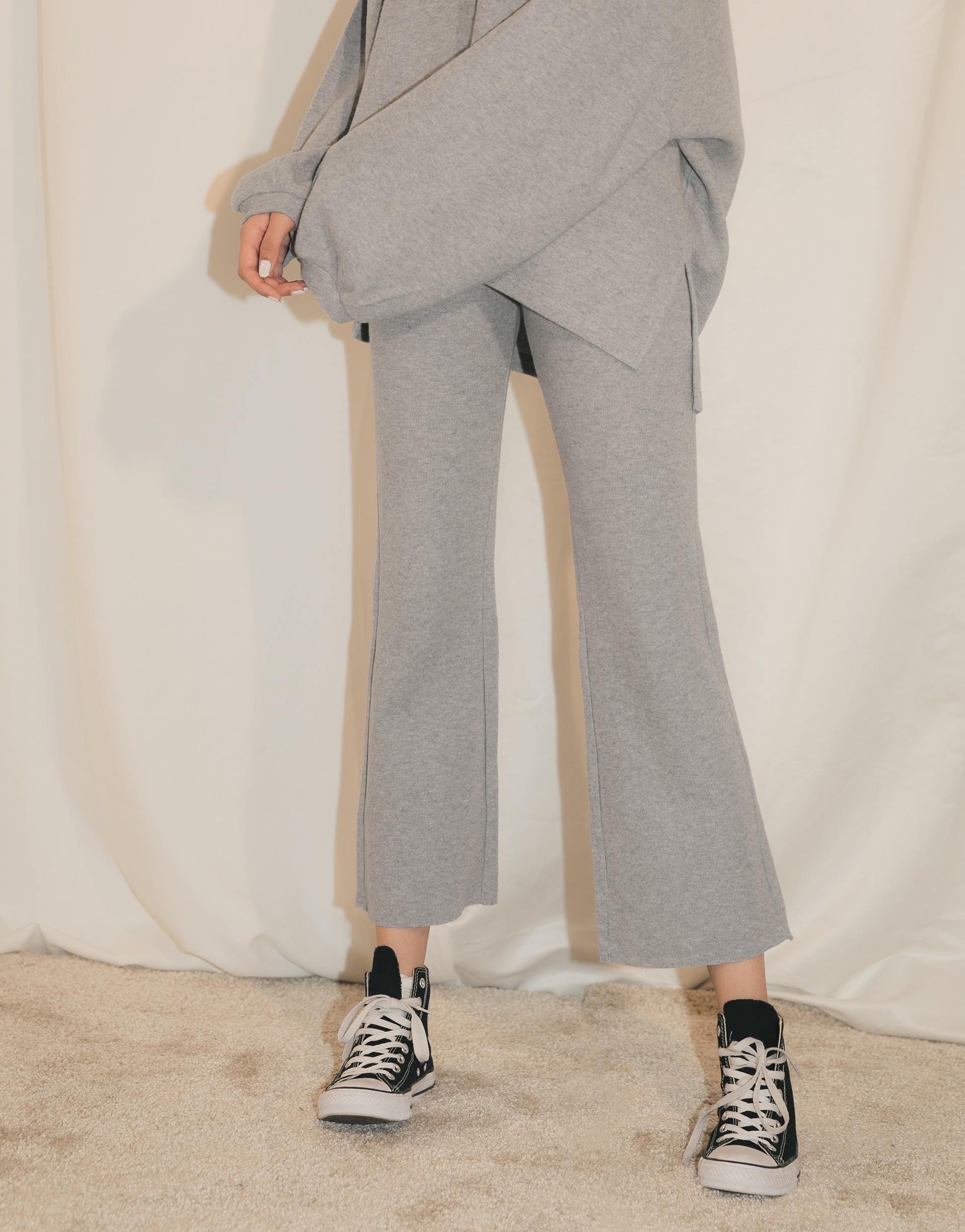 台灣製造/ PAZZO自訂開發布料 / 表面磨毛親膚舒適材質/褲子鬆緊帶設計/褲管不修邊設計