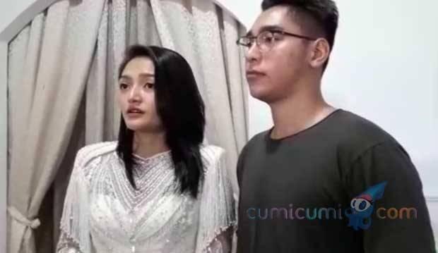 Gaun Pengantin Dibilang Norak, Siti Badriah Curhat di Instagram