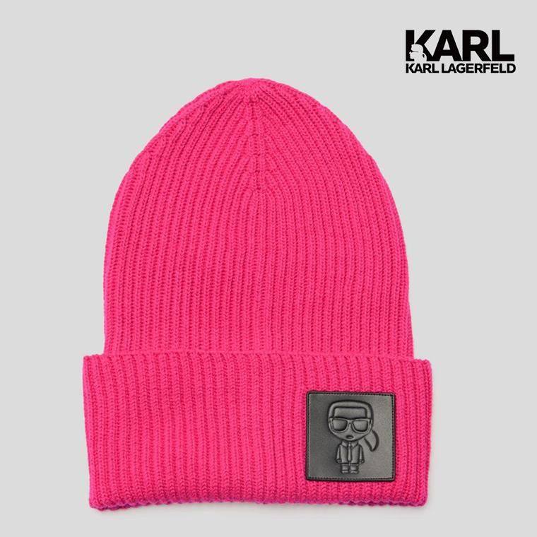 保持風格溫暖。這款柔軟的羅紋針織無簷小便帽採用現代寬邊設計,凸顯karl冬季外觀。針織無簷小便帽的色調飾有同色補丁,寬邊飾有karl lagerfeld輪廓