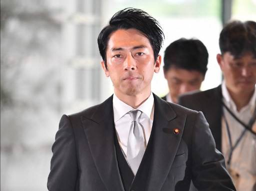 Japan's newly appointed Environment Minister Shinjiro Koizumi arrives at the prime minister's official residence in Tokyo on September 11, 2019. Japan's Shinzo Abe on September 11 appointed new foreign and defence ministers and promoted a popular rising political star, in a cabinet reshuffle that fuelled speculation over the prime minister's successor.