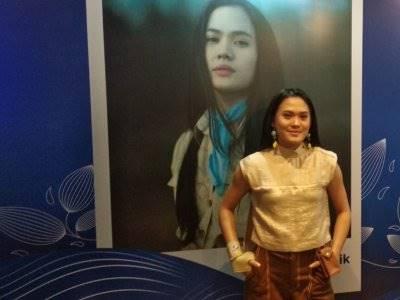 "Sheryl Sheinafia Rubah Lagu ""Posesif"" Jadi ""Positif"""