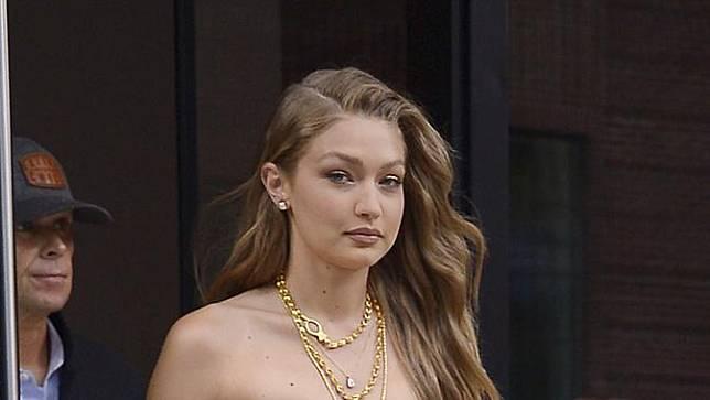 Gigi Hadid Dan 15 Potret Hamil Muda Saat Catwalk Di Fashion Week