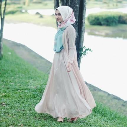 Contek 9 Inspirasi Prom Dress Buat Hijabers Dari Para Selebgram