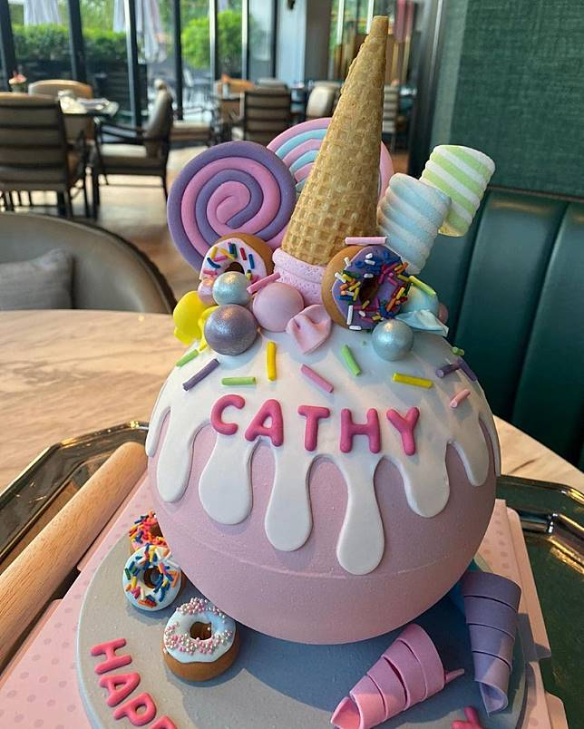 送上徐子淇自家品牌蛋糕!