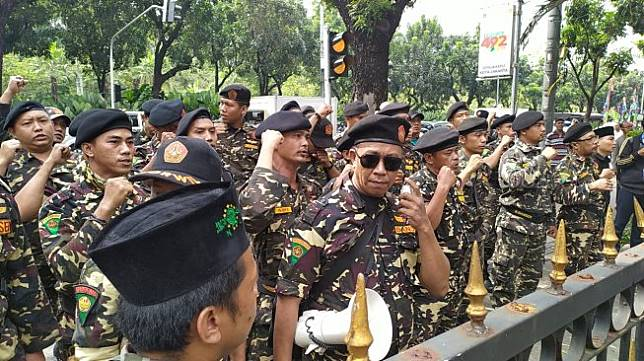 Ilustrasi Banser di Balai Kota Jakarta. (Suara.com/Tyo)