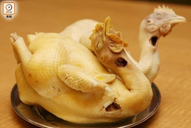 部分人會用三牲(即燒肉、雞、鯉魚)還神,茹素者可改用齋菜。(資料圖片)