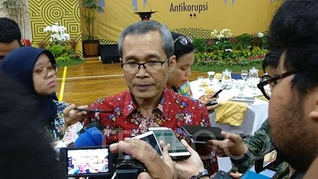 Wakil Ketua Komisi Pemberantasan Korupsi (KPK) Alexander Marwata di kantornya, Jakarta Selatan pada Jumat, 17 Mei 2019. TEMPO/Andita Rahma
