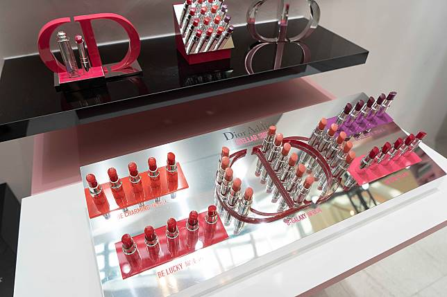 讓人非常心動的Dior Addict Stellar Shine系列。