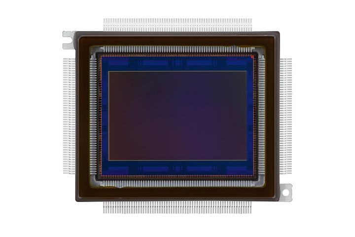 高畫素之王!Canon 推出兩款 2.5 億畫素 APS-H 感光元件
