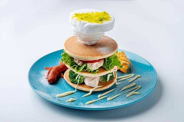 亂積雲鬆餅,餅上的就是天國?1,463日圓(約HK$108)(互聯網)