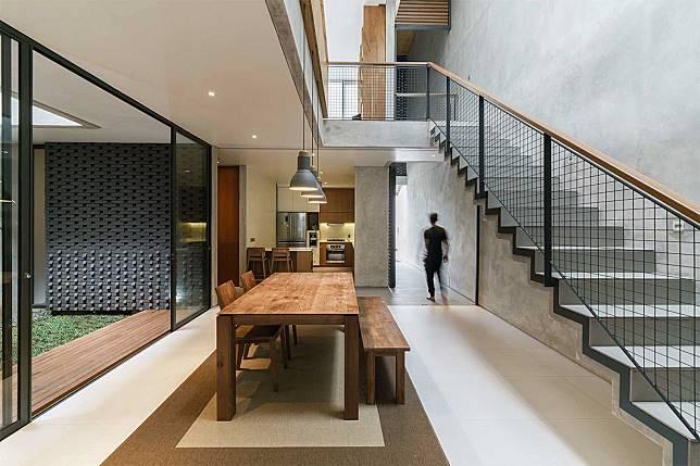 Rumah Minimalis 2 Lantai Void permainan garis dan geometri cantik rumah minimalis ala