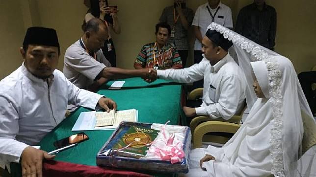 Suasana saat Hermawan Susanto menikahi kekasihnya di Rumah Tahanan Polda Metro Jaya pada Rabu, 3 Juli 2019. Dokumentasi: Polda Metro Jaya