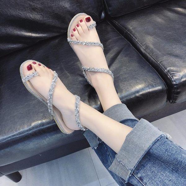 平底涼鞋 蛇形纏繞涼鞋女夏季新款平底鞋仙女風網紅百搭水鉆夾趾羅馬鞋 曼慕衣櫃