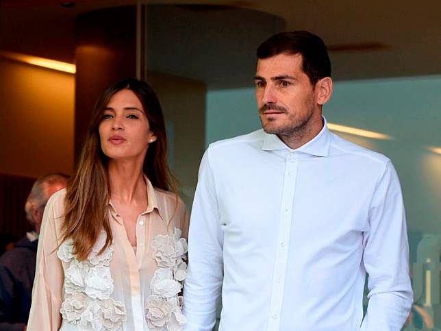 Casillas Pensiun dari Sepak Bola