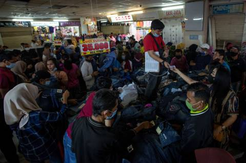 Strategi Anies Cegah Kerumunan di Pasar Tanah Abang, Bakal Sukses? (2)
