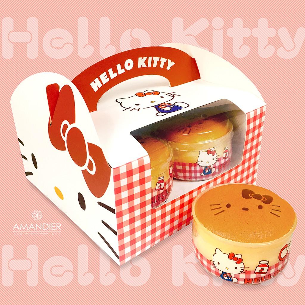 ******製造原廠授權,僅此賣場別無分號******【產品特色】•超人氣~Hello Kitty牛奶布丁燒•上層-牛奶蛋糕 / 中層-香草布丁 / 下層-焦糖。•充滿豐富的三層口感,滑嫩綿密、甜而不膩的好滋味,一次享受三種口感,讓人一口接一口。•新鮮好吃的伴手禮 ,送禮自用都適合•每個牛奶布丁燒上都烙印著超Q的Hello Kitty圖案。【注意事項】★購買超過8盒請拆單~謝謝★低溫宅配★此商品為每日手工限量製作,下單前請先  聊聊  詢問貨量並告知需要的數量/到貨時間~與我們確認完成後再下單!! 謝謝~【產品規格】內容物:Hello Kitty牛奶布丁燒4入成分:鮮奶油、雞蛋黃、牛奶、白砂糖、雞蛋、雞蛋白、低筋麵粉、沙拉油、水、煉乳、全脂奶粉、黑糖蜜、香草醬、檸檬汁淨重:520公克保存方式:未開封18℃冷凍保存,請冷藏退冰1小時後食用。開封後未食用完請置於冷藏保鮮,並於2天內盡速食用完畢保存期限:冷凍60天有效日期:如包裝標示原產地:台灣#HelloKitty #牛奶布丁燒 #禮品 #下午茶 #甜點