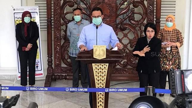 Gubernur DKI Jakarta Anies Baswedan kembali memberikan keterangan kepada pers soal penanganan virus corona Covid-19 di ibu kota pada Kamis (26/3/2020) di Balai Kota. [Suara.com/Fakhri Fuadi Muflih]