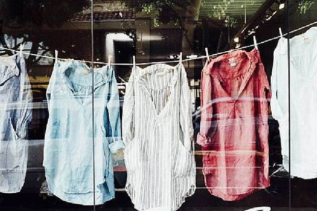 Bisakah Corona Menular Lewat Paket dan Pakaian? Ini Kata Pakar