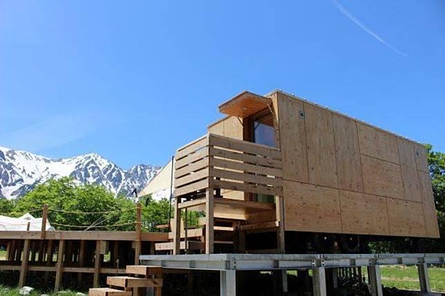 這裏還有由建築大師隈研吾研發的「住箱」。(互聯網)