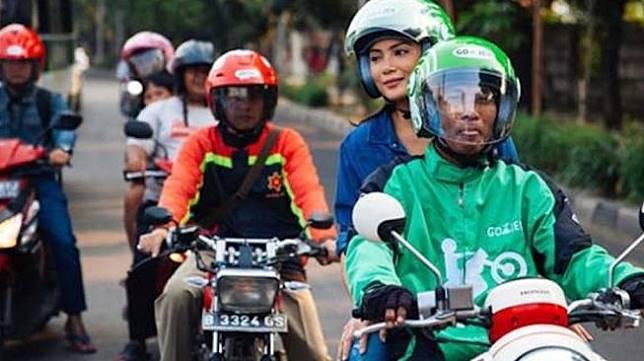 Tutorial kocak naik ojek online motor sport. (Gojek)
