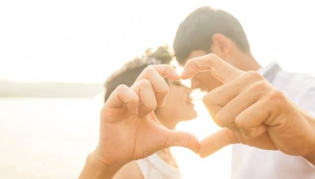 Ilustrasi pasangan jatuh cinta. shutterstock.com