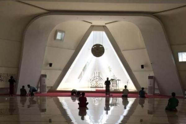 Hasil gambar untuk Debat Terbuka Kontroversi Masjid Al Safar