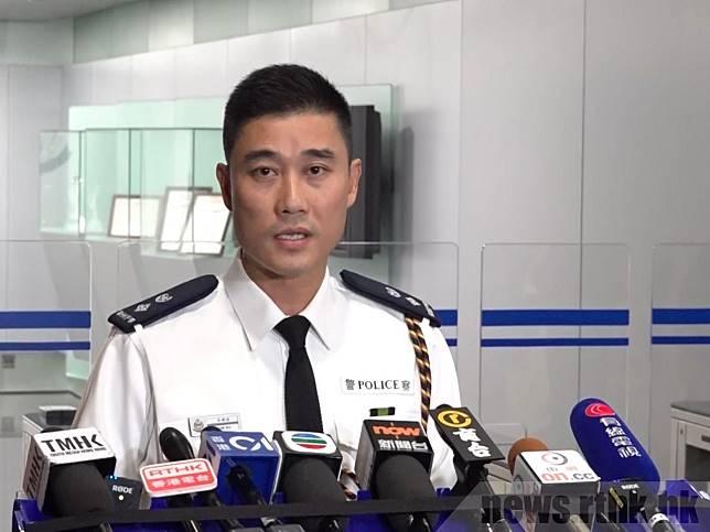 港島總區高級警司吳樂俊表示,由於主辦單位違反「不反對通知書」的協定,因此在晚上拘捕劉頴匡。(施華駿攝)