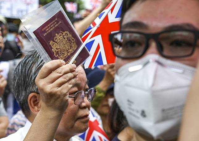 Make BNO Hongkongers full British citizens, Boris Johnson urged by top political figures as UK election approaches