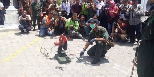Kejari Solo musnahkan ratusan gram sabu dan senjata api. ©2018 Merdeka.com/Arie Sunaryo