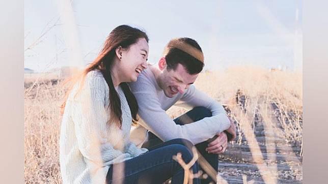 Cari Pasangan yang Bikin Kamu Tertawa Terus, Pilih 5 Zodiak Ini