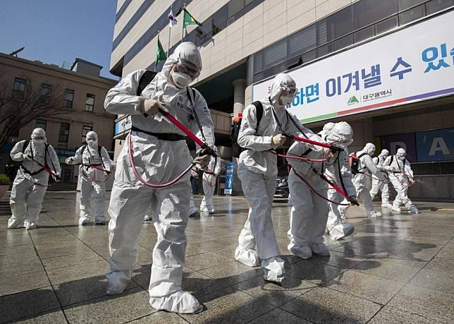 'เกาหลีใต้' พบป่วยโควิด-19 พุ่งพรวด คาดสาเหตุจาก 'ไวรัสที่กลายพันธุ์'