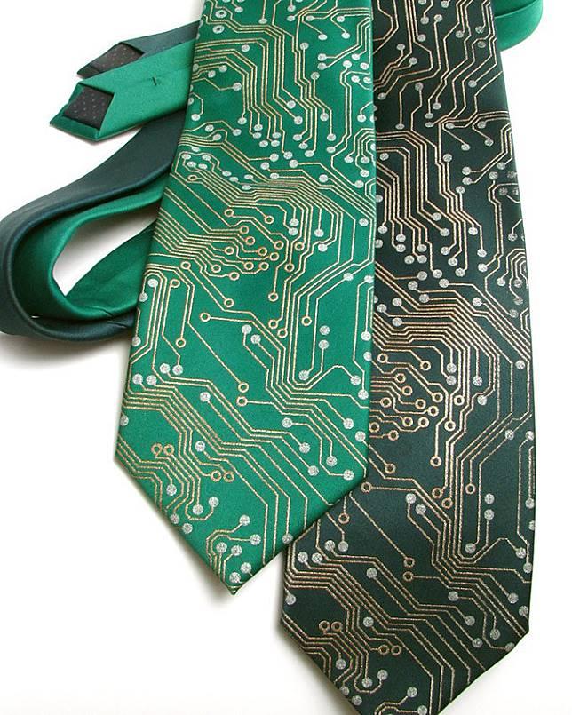 是工程師就要來一條的電路板領帶