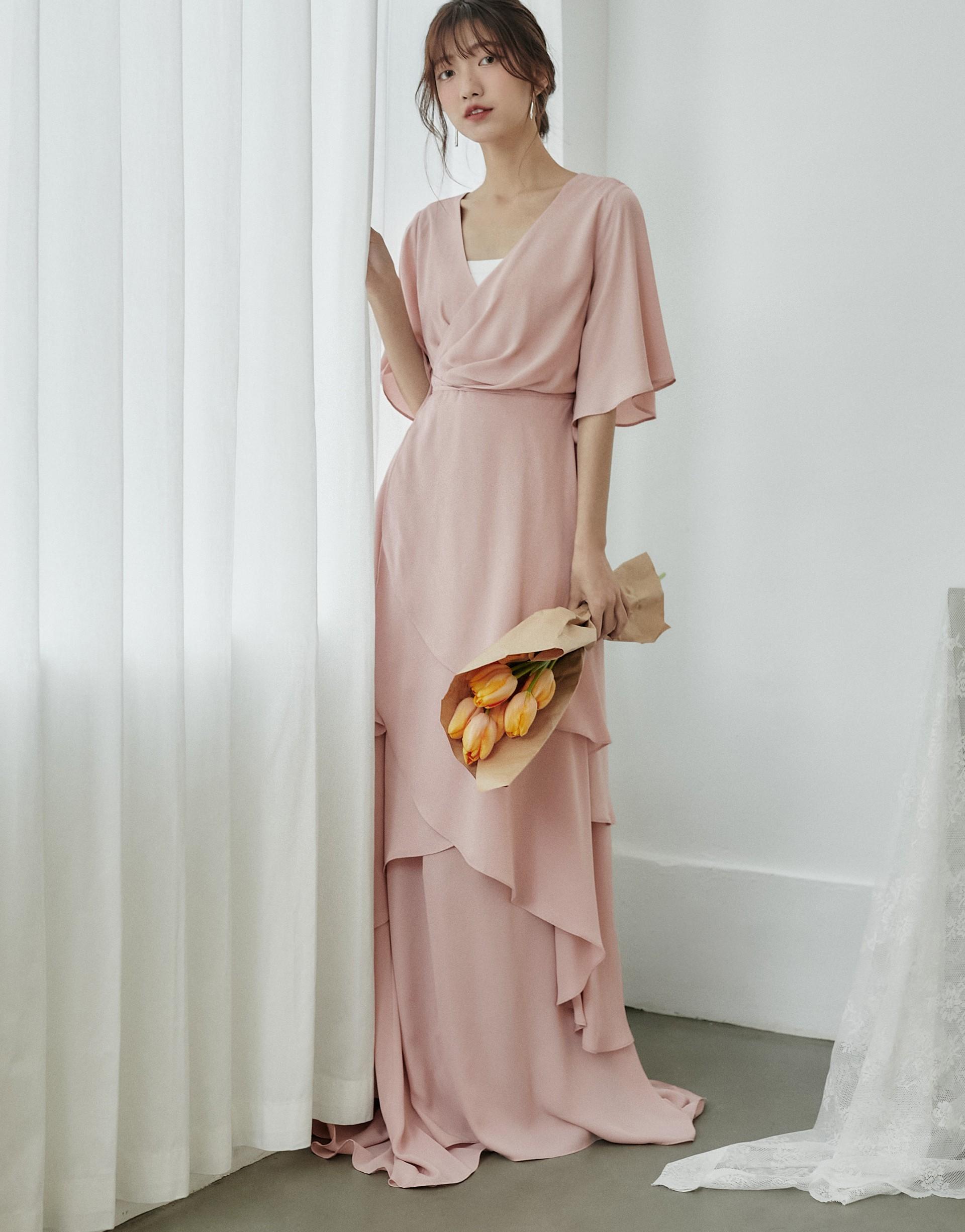 洋裝本身加內襯長裙兩件式/可有多種組合穿法/浪漫百搭/淺色略透建議內搭/內襯長裙鬆緊腰頭有裡布