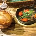 バジリコのピザ - 実際訪問したユーザーが直接撮影して投稿した新宿イタリアンCONA 新宿店の写真のメニュー情報