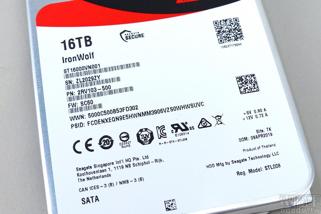▲ IronWolf 16TB 標籤資訊,韌體版本為 SC60,於泰國生產製造。