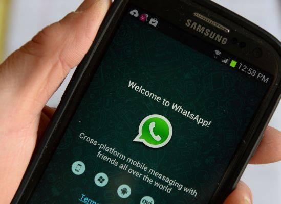 Logo WahstApp di sebuah ponsel