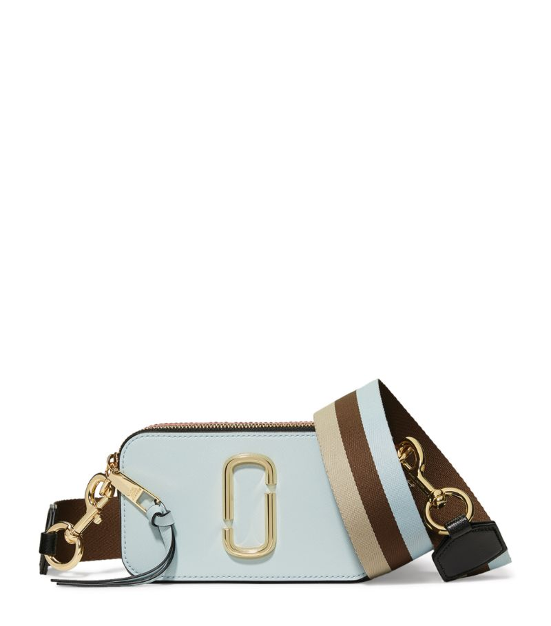 Hailing from the Double J collection, The Snapshot Camera Bag from Marc Jacobs takes inspiration fro