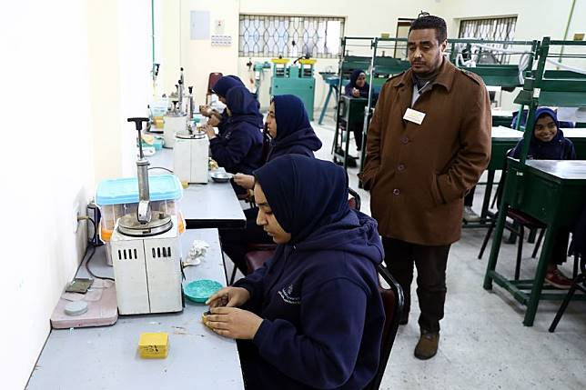 Egypt S First Jewelry School Ignites Hope For Jewelry Making Industry