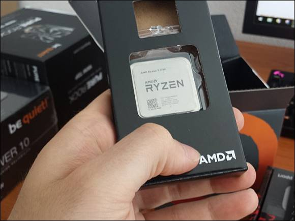 2d839f979b7f 魚目混珠, Amazon 網站出現有拿Celeron 處理器冒充AMD Ryzen 的詐欺買賣行為
