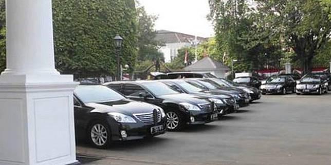Mobil baru menteri (dream.co.id)